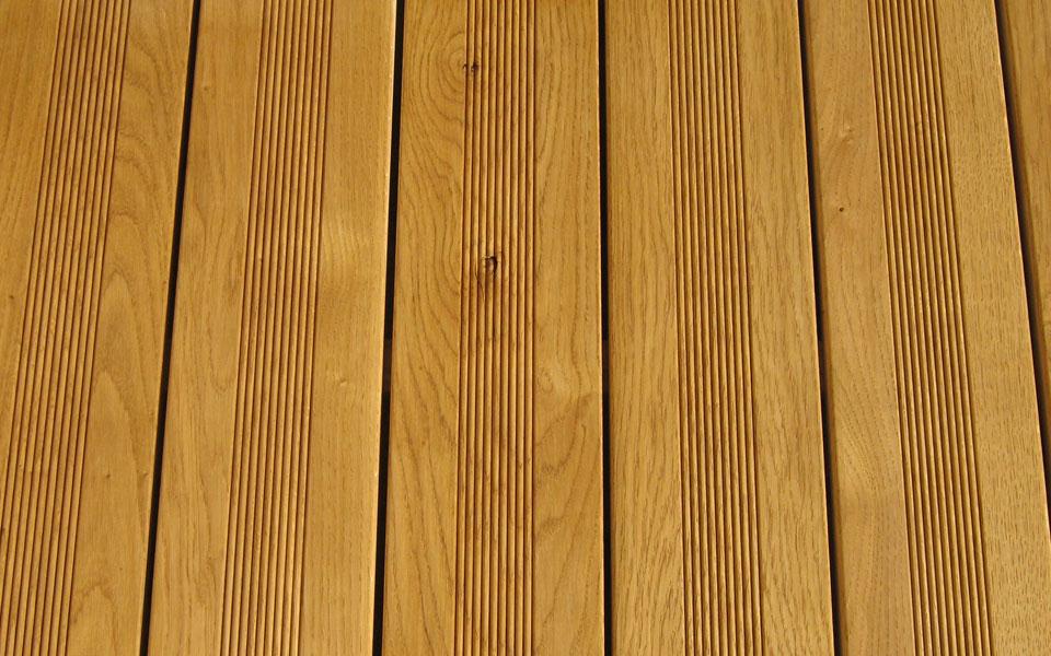 Lames de terrasse scierie corbi re for Ecart entre lame de terrasse bois