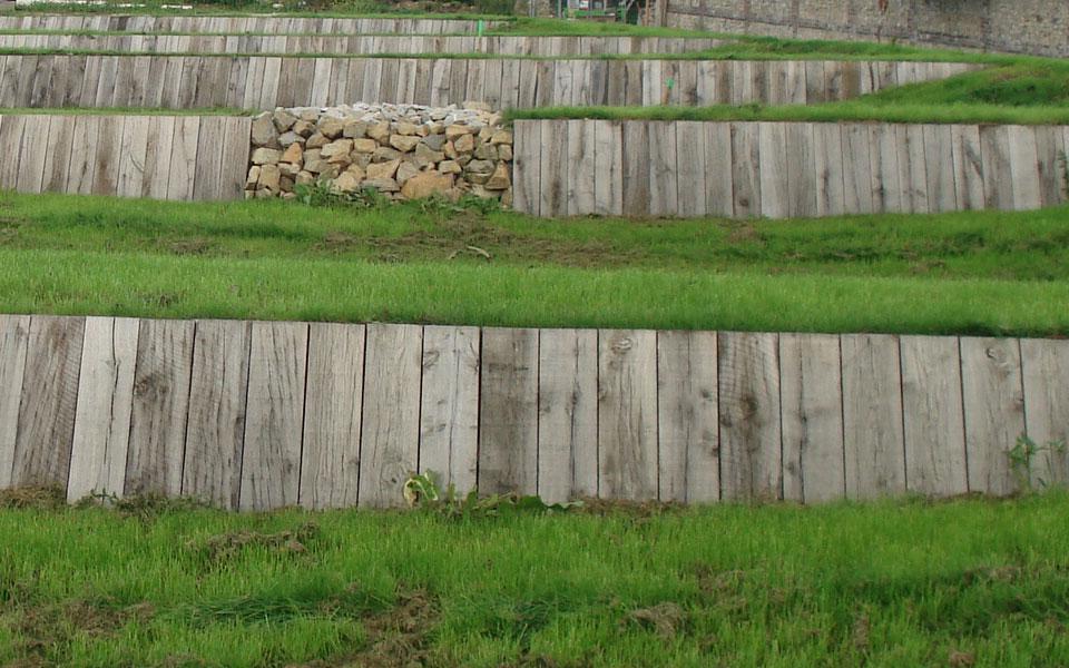 Traverse chene 1 scierie corbi re - Traverse en bois pour jardin ...